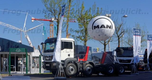 Sphère géante de 2m50 pour MAN | salon intermat