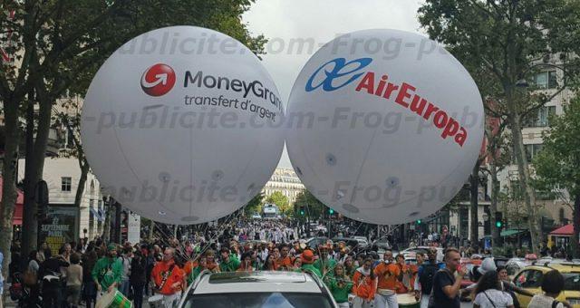 2 ballons hélium géants pour le festival «Lavage de la Madeleine» à Paris