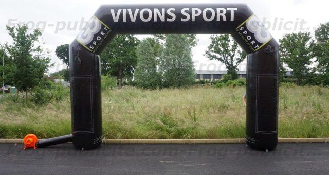 Une arche Go Sport pour le «Trail de l'eau» à Bois Guillaume (76)