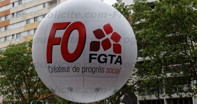 1 ballon publicitaire 100% personnalisable FGTA FO en manifestation à Paris (juin 2016)