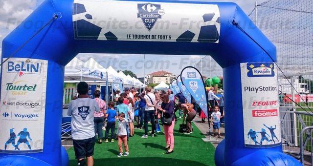 1 arche gonflable publicitaire pour la Carrefour Cup 2016