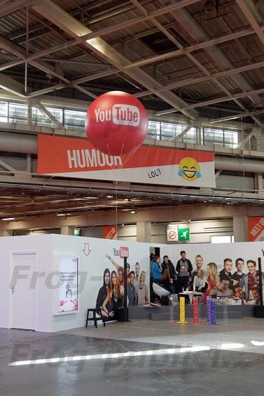 """Un ballon gonflable personnalisé sur le stand """"Youtube""""   Salon Vidéo City Paris 2017"""