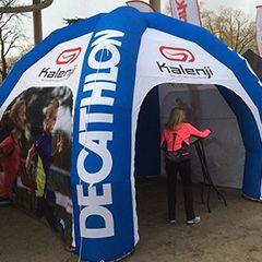 tente gonflable auto ventilée pour événement sportif décathlon