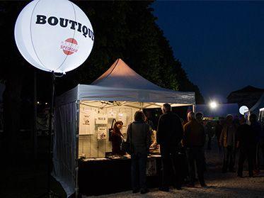 ballon sur trépied avec système éclairage led pour festival jazz au pays
