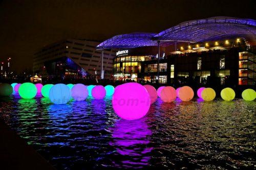 ballon géant lumineux couleur fete des lumières lyon