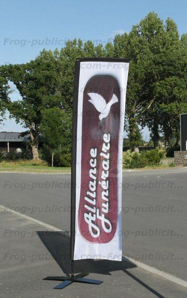 drapeau publicitaire forme droite alliance funéraire