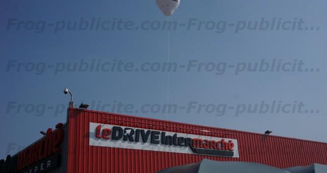 Montgolfière géante à l'hélium   Ouverture d'un drive Intermarché