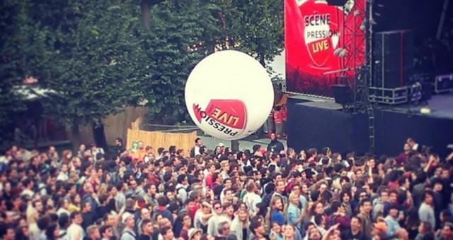 Un ballon à lancer dans la foule   Rock en SeinePression Live 2013 [Vidéo]