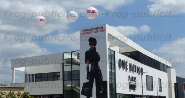 Ballons soldes hélium 2m50 | Centre commercial One Nation Paris