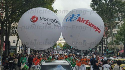 """ballons hélium géants pour le festival """"Lavage de la Madeleine"""""""