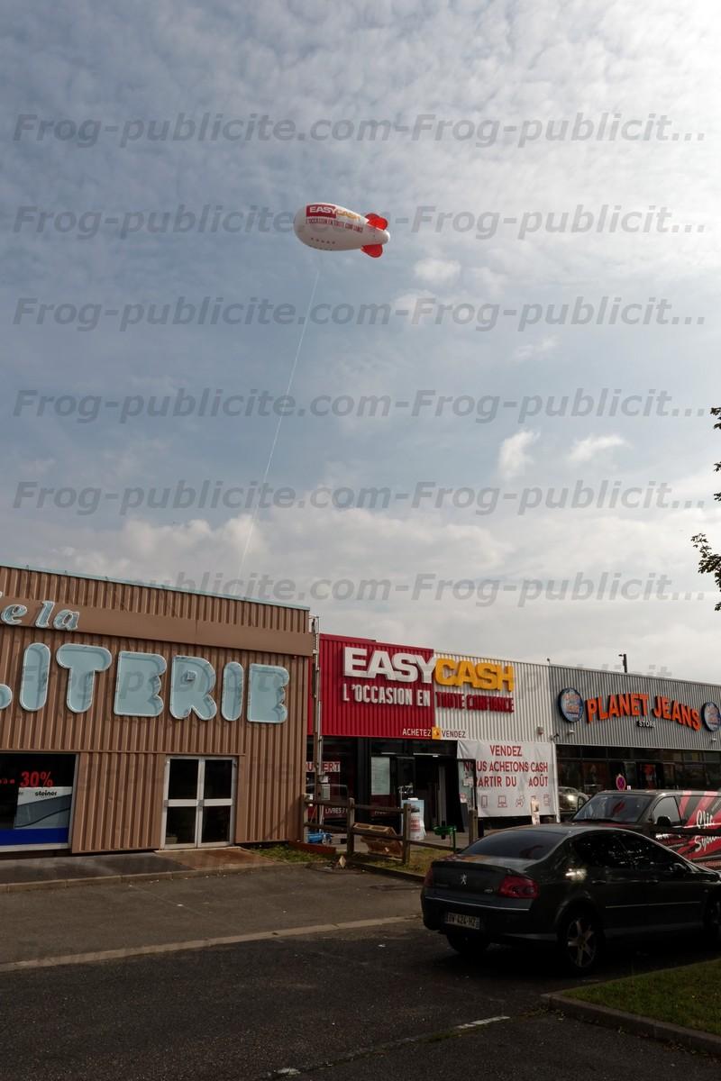 Dirigeable publicitaire 6m easy cash à Pierrelaye