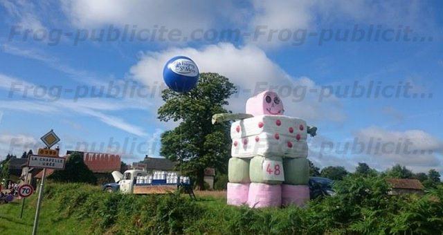 Gros ballon gonflable pour le passage du Tour de France 2016