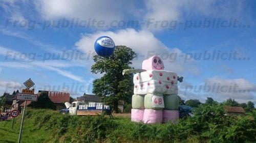 ballon géant publicitaire pour la coopérative Isigny Ste Mère