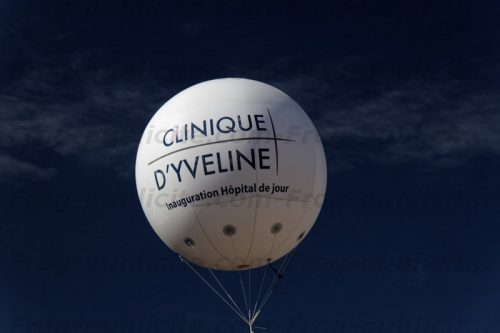 Sphère géante gonflable pour la clinique d'Yveline