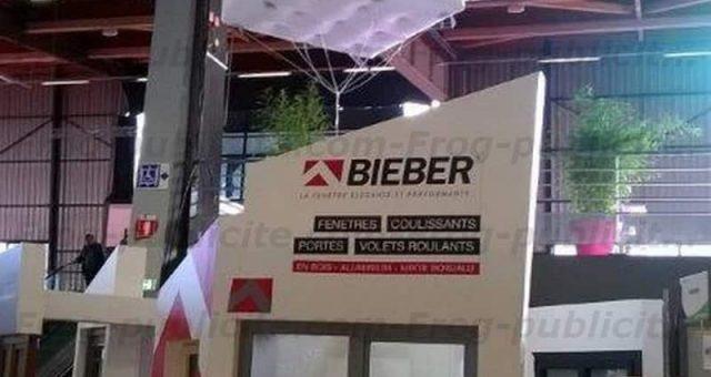 Cube publicitaire Bieber de 2m pour le salon ORCAB