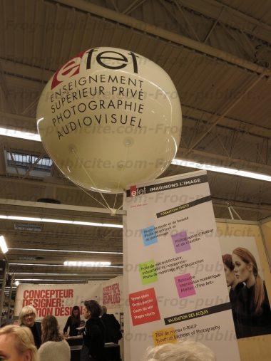 Un gros ballon gonflable de 2m pour Efet présent sur le salon de la photographie 2015 à Paris