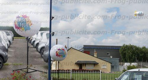 10 ballons sur trépied et 1 dirigeable de 6m - Portes ouvertes Glinche automobile à Ecommoy