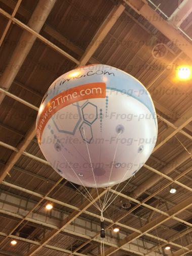 1 ballon géant à l'hélium pour E2Time sur le salon equiphotel 2015