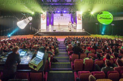 1 volant et 1 balle géante gonflable - Convention internationale Babolat à Mandelieu la Napoule 2016