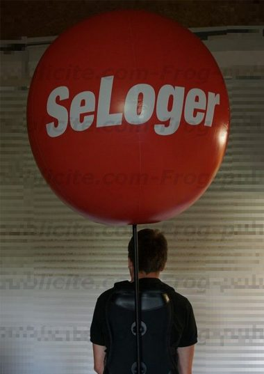 1 ballon sac à dos SeLoger.com pour su street marketing