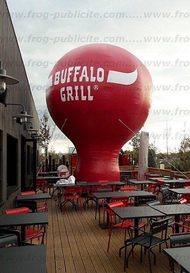 Montgolfière gonflable buffalo grill