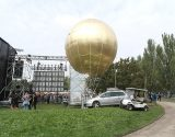 installation-sphere-geante-trapeziste-inoxpark-2014.JPG